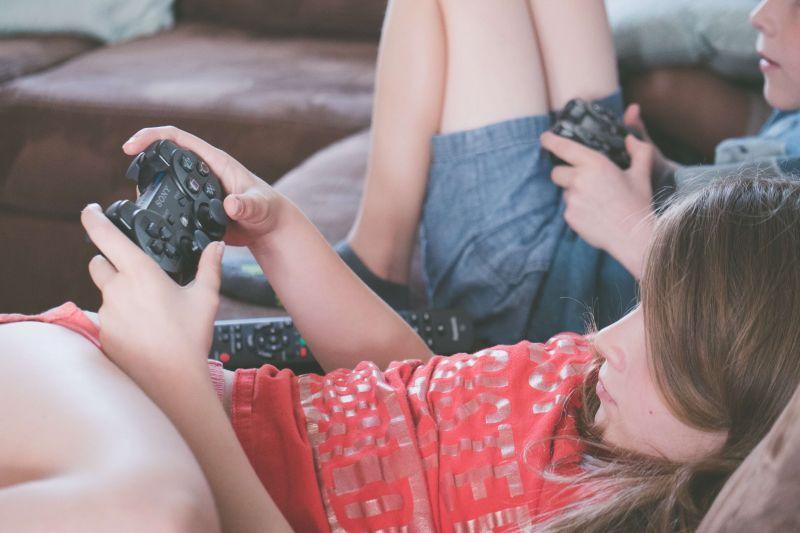 ¿Cómo reforzar el uso saludable de las Nuevas Tecnologías? Recomendaciones para madres, padres y profesionales de la educación
