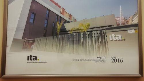 20 años de historia de Ita especialistas en Salud Mental decoran su centro de Sabadell