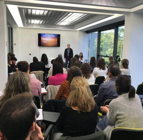 Matthew Selekman imparte una sesión-taller en ita Moscatelar donde intervienen dos familias en tratamiento en Ita con terapia familiar breve centrada en soluciones